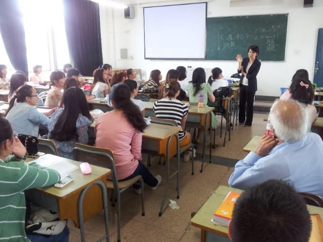 中国の大学で磁石の授業