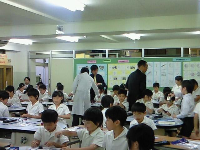 東京都の小学校で磁石の授業